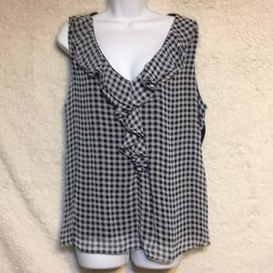 Black and white check top very cute